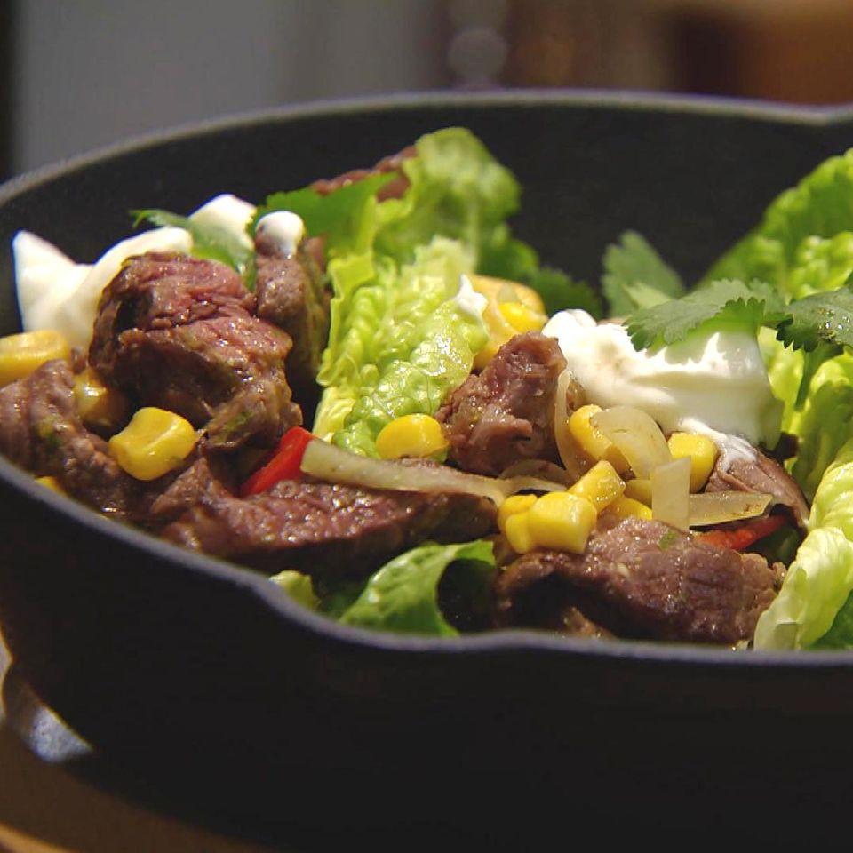 Schnelle Rindfleisch-Mais-Pfanne: Rezept aus der Kochshow essen & trinken Für jeden Tag