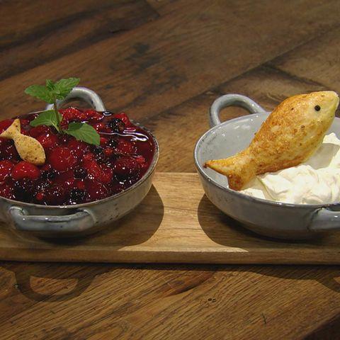 Rote Beeren-Grütze Rezept aus der Kochshow essen & trinken Für jeden Tag
