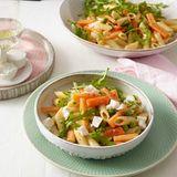 Gemüse-Nudelsalat mit Ziegenkäse