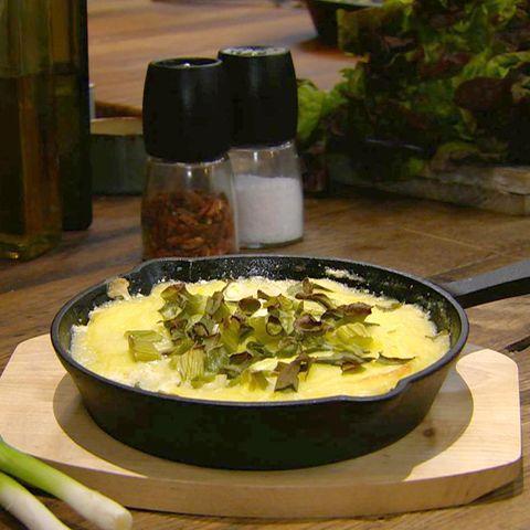 Sauerkraut-Kassler-Auflauf mit Stampfkartoffeln: Rezept aus der Kochshow essen & trinken Für jeden Tag