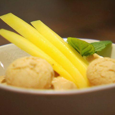 Espresso-Creme mit Amarettini: Rezept aus der Kochshow essen & trinken Für jeden Tag
