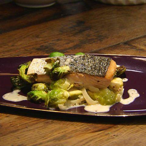 Lachs mit cremigem Rosenkoh: Rezept aus der Kochshow essen & trinken Für jeden Tag