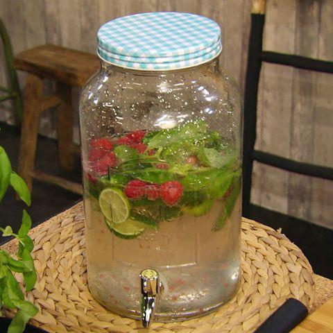 Erfrischende Gurkenlimonade: Rezept aus der Kochshow essen & trinken Für jeden Tag