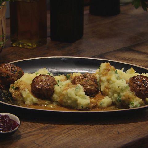 Köttbullar mit Kartoffel-Stampf: Rezept aus der Kochshow essen & trinken Für jeden Tag