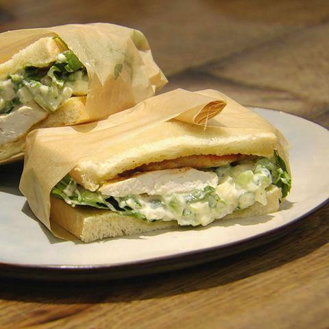 Hähnchen-Sandwich mit Rucola