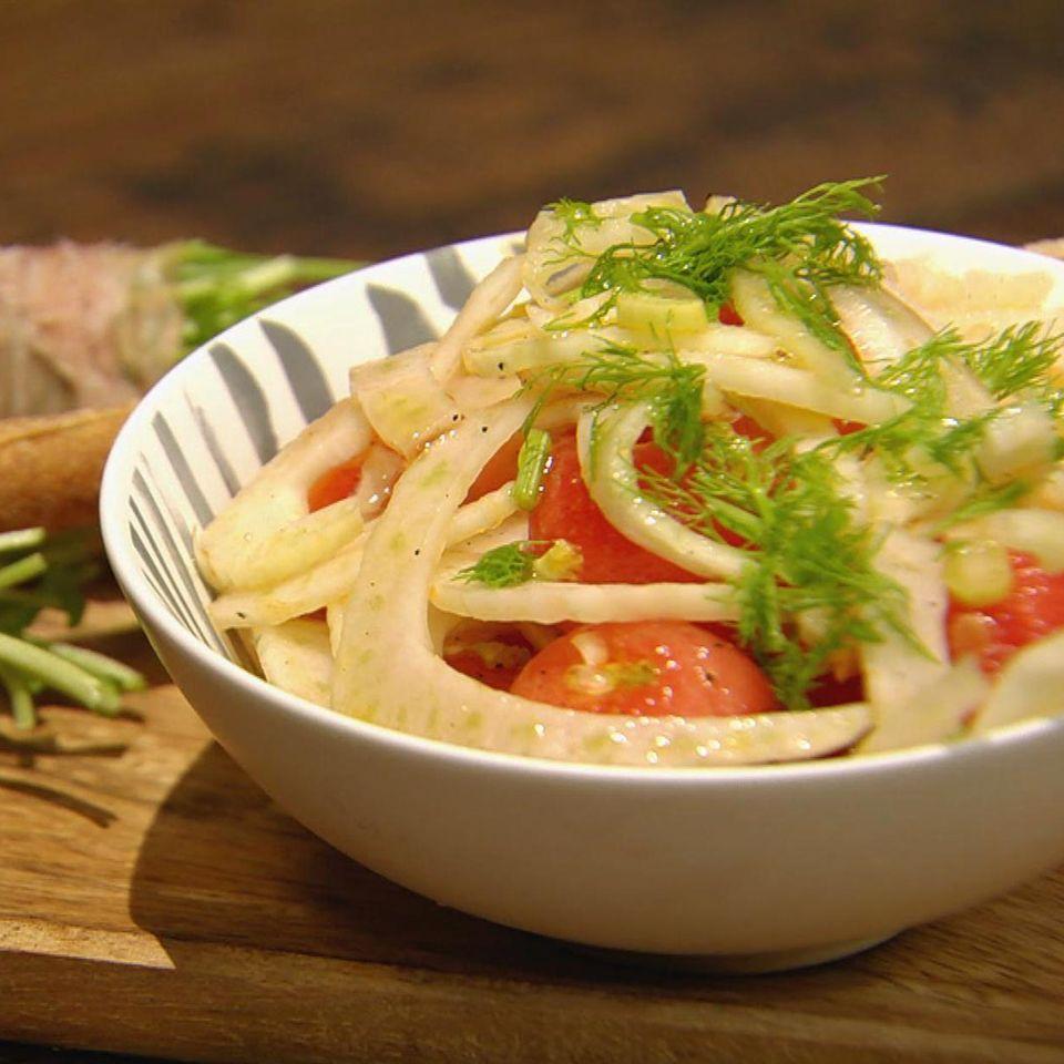 Fenchel-Melonen-Salat mit Grissini: Rezept aus der Kochshow essen & trinken Für jeden Tag