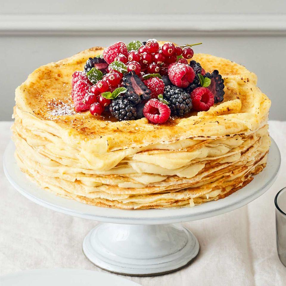 Crêpes-Torte mit Eierlikörcreme