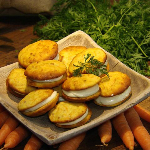 Rübli-Whoopies mit Frischkäsefüllung: Rezept aus der Kochshow essen & trinken Für jeden Tag