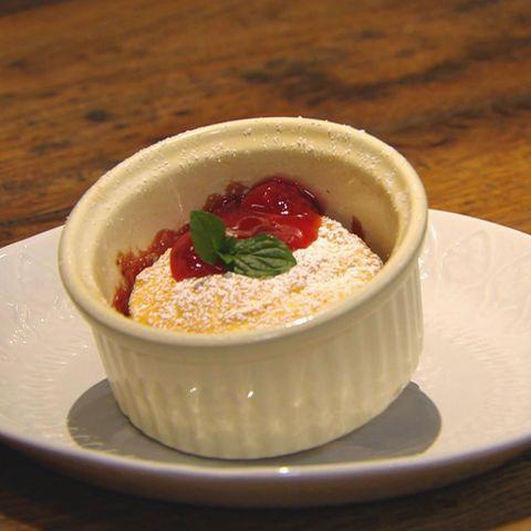 Süßer Quark-Grieß-Auflauf: Rezept aus der Kochshow essen & trinken Für jeden Tag