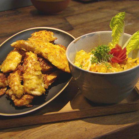 Hähnchenschnitzel mit Chipskruste und Möhren-Apfel-Salat: Rezept aus der Kochshow essen & trinken Für jeden Tag