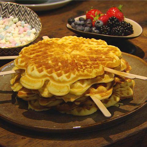 Saftige Buttermilchwaffeln: Rezept aus der Kochshow essen & trinken Für jeden Tag