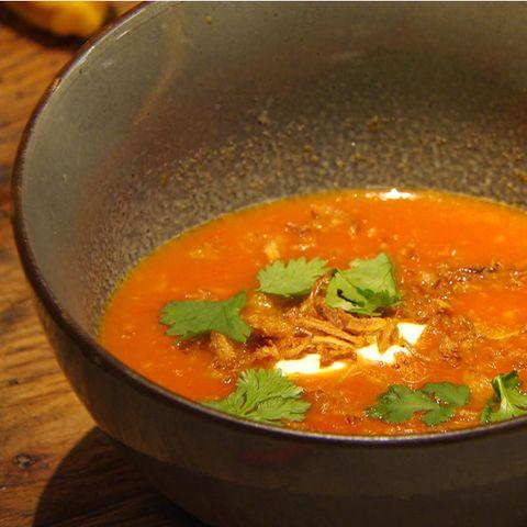 Scharfe Tomatensuppe: Rezept aus der Kochshow essen & trinken Für jeden Tag