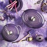 Töpfe in Ultra Violet von Le Creuset