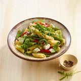 Bohnen-Pasta-Salat mit Paprika und Rauke