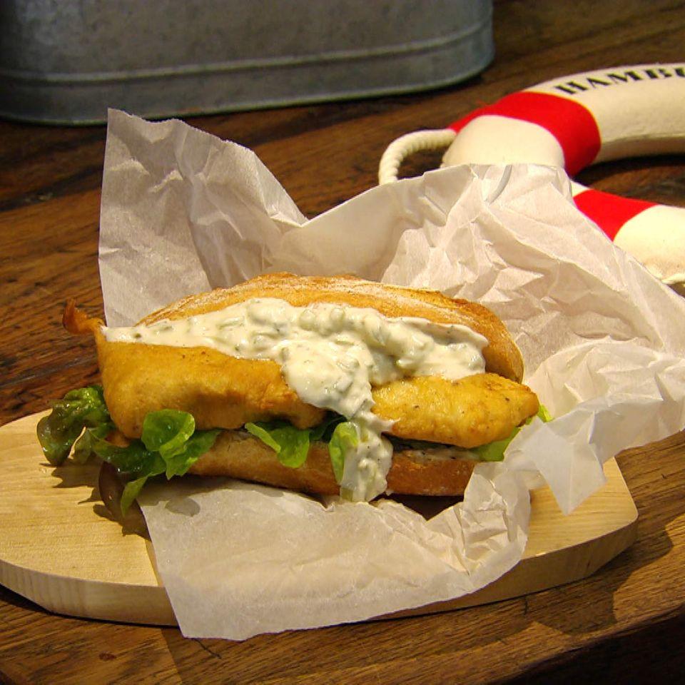 Backfisch-Brötchen mit Remoulade: Rezept aus der Kochshow essen & trinken Für jeden Tag