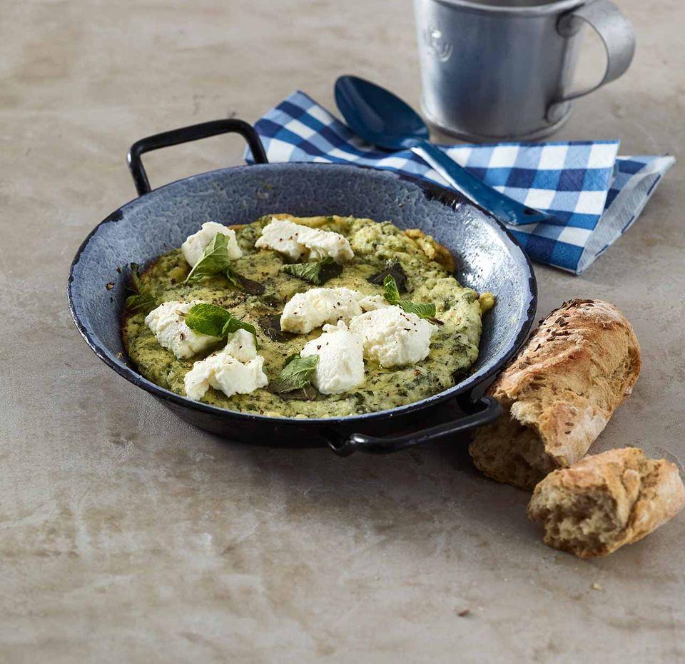 Omelett mit Ricotta und Minze
