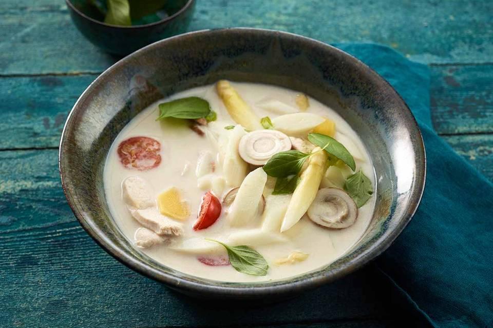 Asiatische Spargel-Kokos-Suppe Rezept