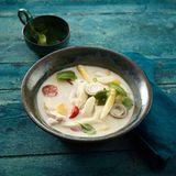 Asiatische Spargel-Kokos-Suppe
