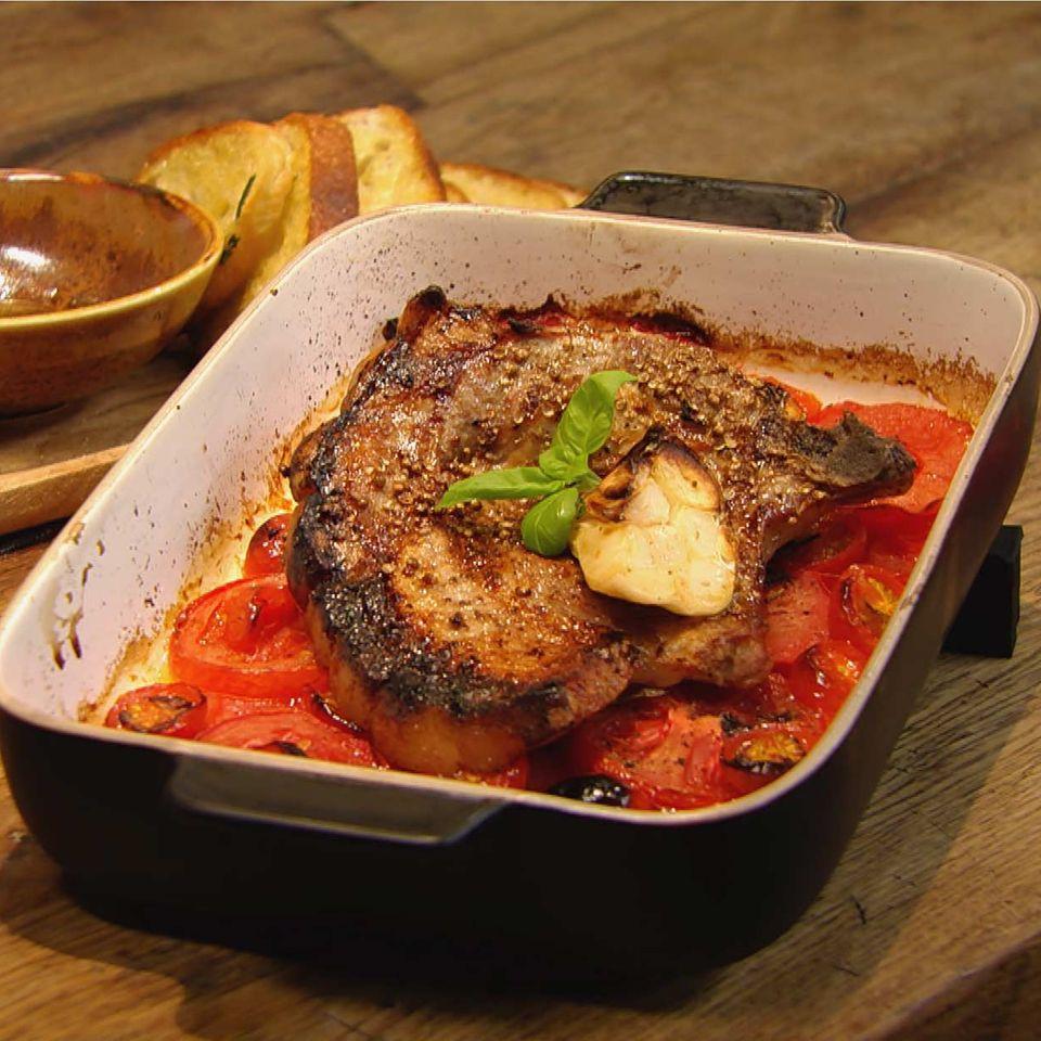 Schmortomaten mit Koteletts: Rezept aus der Kochshow essen & trinken Für jeden Tag