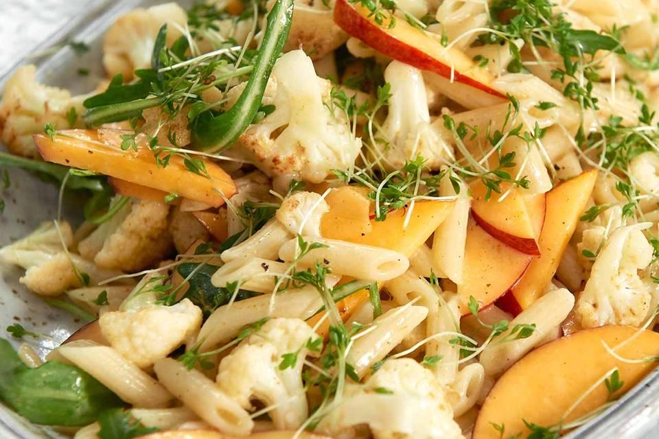 Fruchtiger Blumenkohl-Nudel-Salat Rezept
