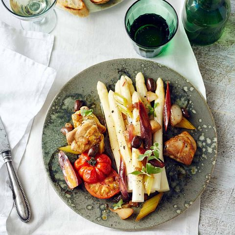 Spargel mit Kaninchen-Gemüse-Ragout