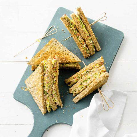 Thunfisch-Sandwich mit Koriandergrün