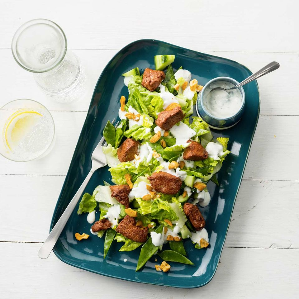 Tandoori-Hähnchen auf Salat
