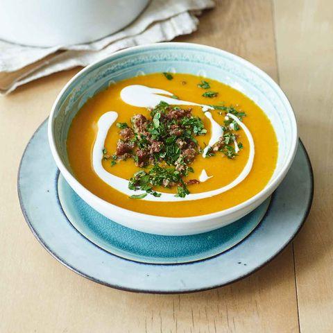 Scharfe Kürbis-Linsen-Suppe