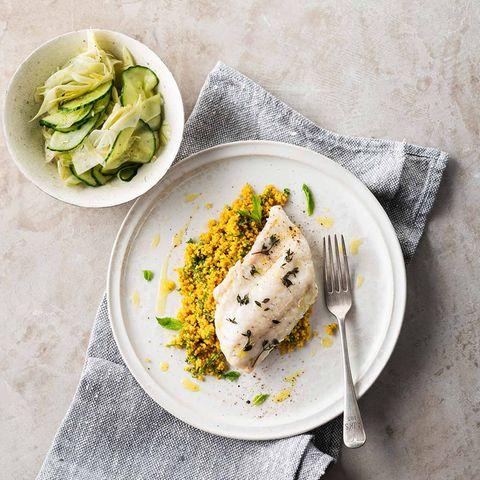 Ofenzander mit Couscous und Fenchel-Gurken-Salat