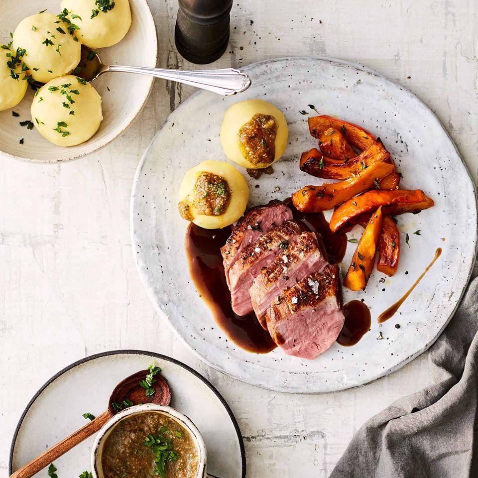 Entenbrust mit Kartoffelklößen, Pain d'épice und Kürbis