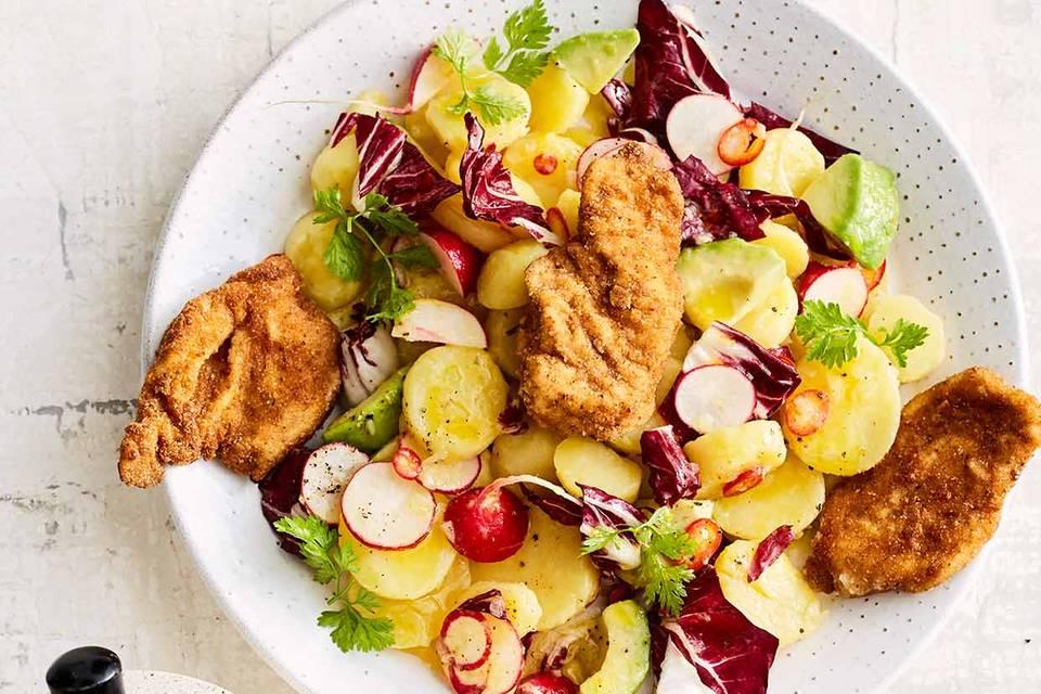 Kartoffel-Avocado-Salat mit Schnitzelchen Rezept