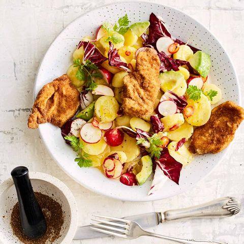 Kartoffel-Avocado-Salat mit Schnitzelchen