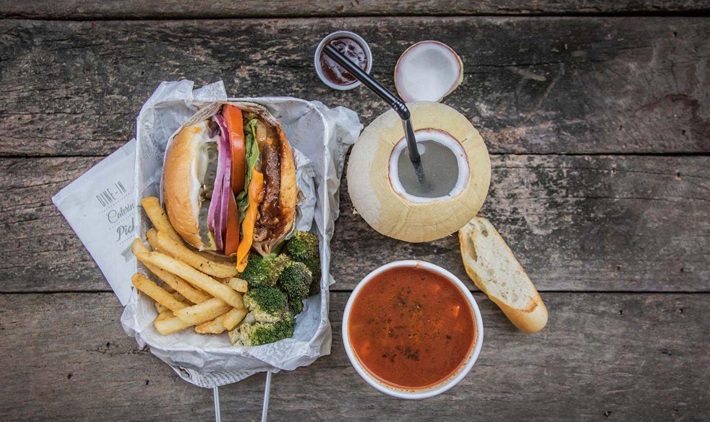 Köstliches Burger-Menü im Vegan Burg