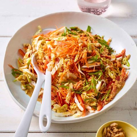 Chinakohlsalat mit Erdnuss-Dressing