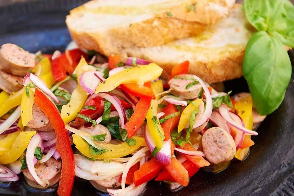 Paprika-Bratwurst-Salat Rezept