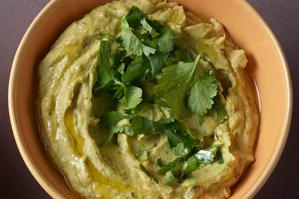 Avocado-Hummus mit Koriander Rezept