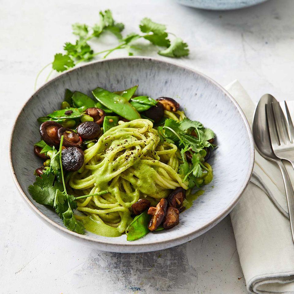 Spaghetti mit Edamame-Pesto