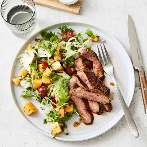 Steak mit Fenchel-Melonen-Salat