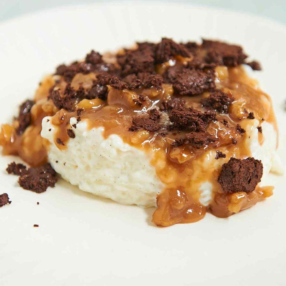 Vanille-Milchreis mit Nusskaramell und knuspriger Schoki on top