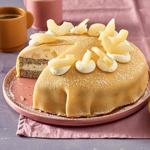 Mohn-Birnen-Torte mit Marzipanhaube