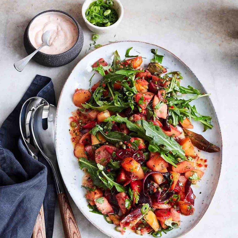 Rezept: Ofengemüse-Salat mit Harissa-Minz-Joghurt