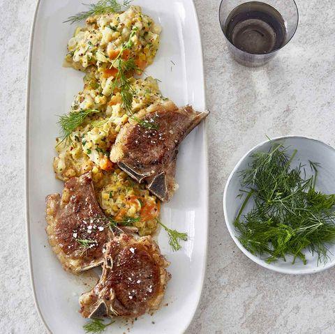 Linsen-Senf-Gemüse mit Lammkoteletts