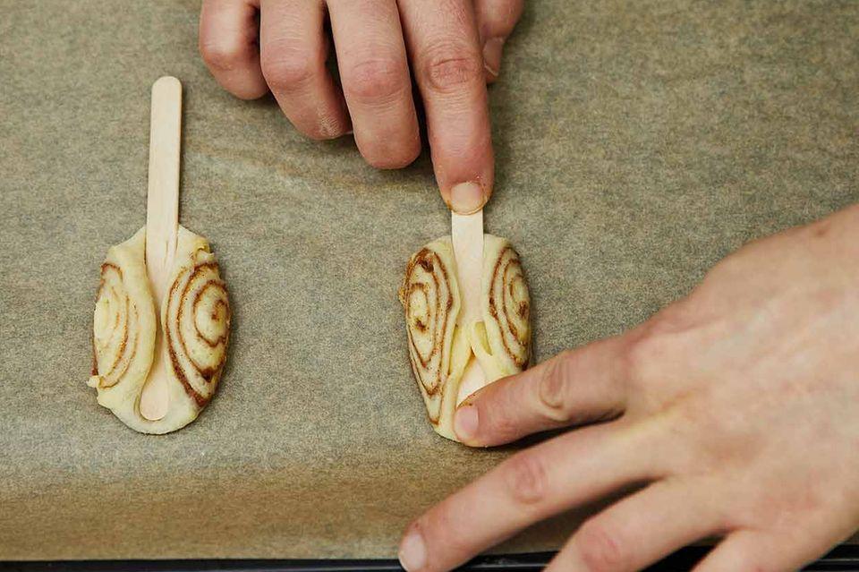 Mini-Franzbrötchen am Stiel