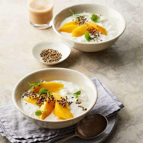 Kokos-Milchreis mit Mango