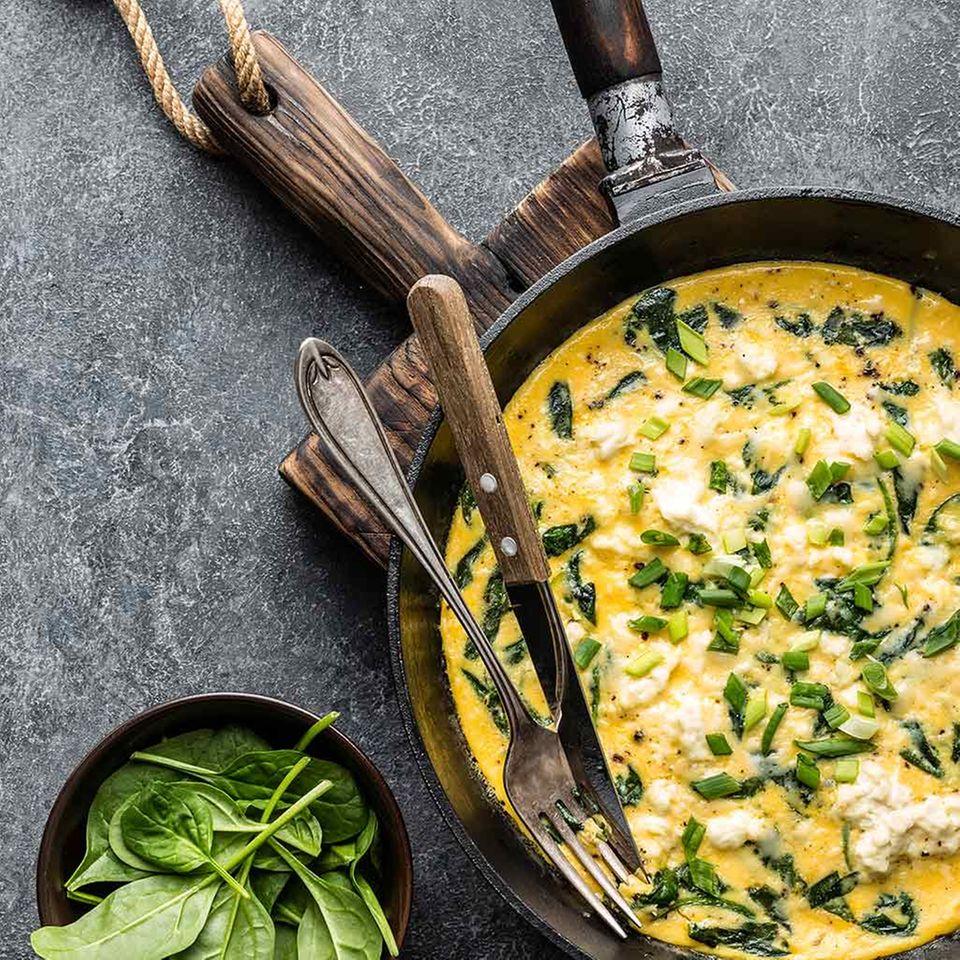 Spinat-Tortilla in Pfanne