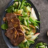 Rinderfilet mit Kohlrabi-Apfel-Salat