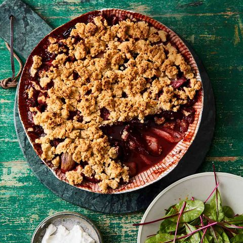 Rote-Bete-Rhabarber-Crumble