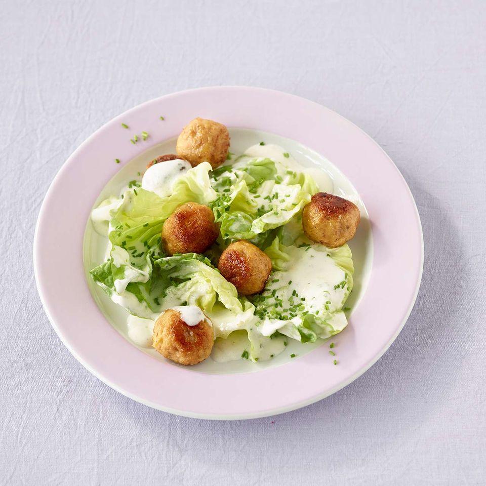 Gebratene Knödel mit Kartoffelsalat