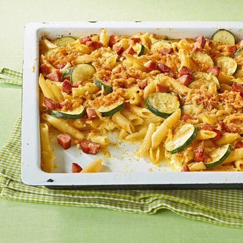 Zucchini-Nudel-Auflauf vom Blech