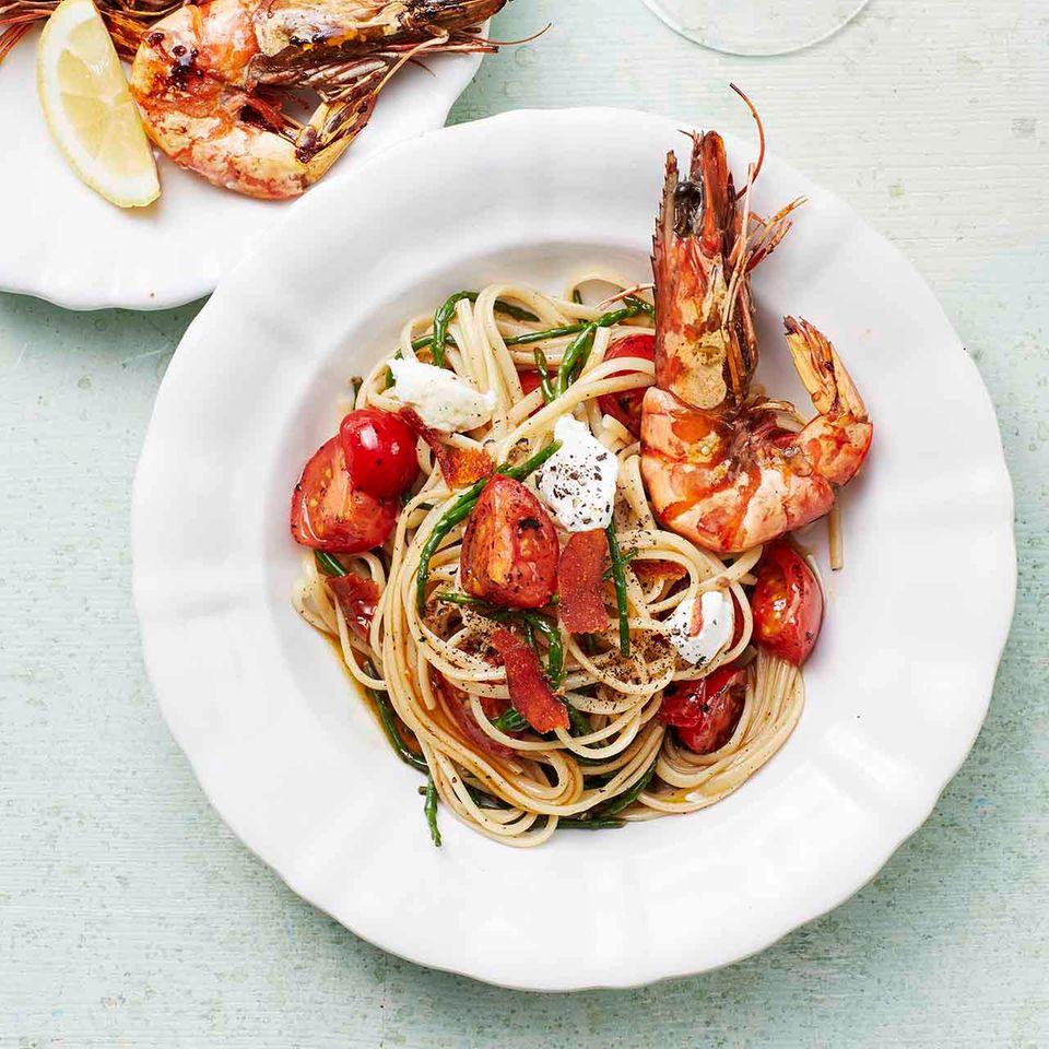 Spaghetti mit zweierlei Tomaten und Garnelen